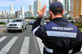 http://vnoticia.com.br/noticia/2126-codigos-e-nomes-de-agentes-de-transito-estarao-disponiveis-na-internet