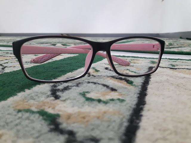 Tetap Cantik Dengan kacamata