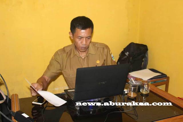 Dikdik Haris, Bendahara Desa Tarogong
