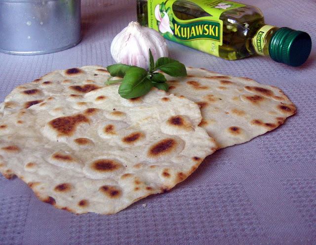 kujawski Roti czosnkowo-bazyliowe