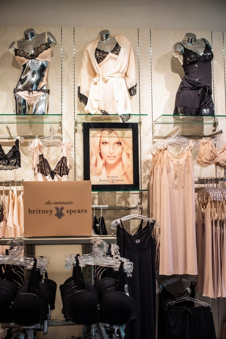 britney-spears-lingerie-intimates