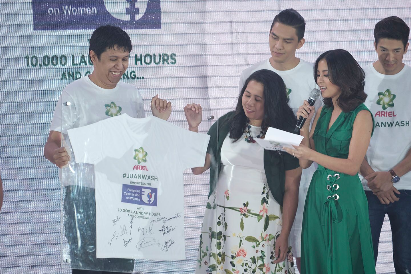 Ceremonial Handover of 10,000 laundry hours to PCW