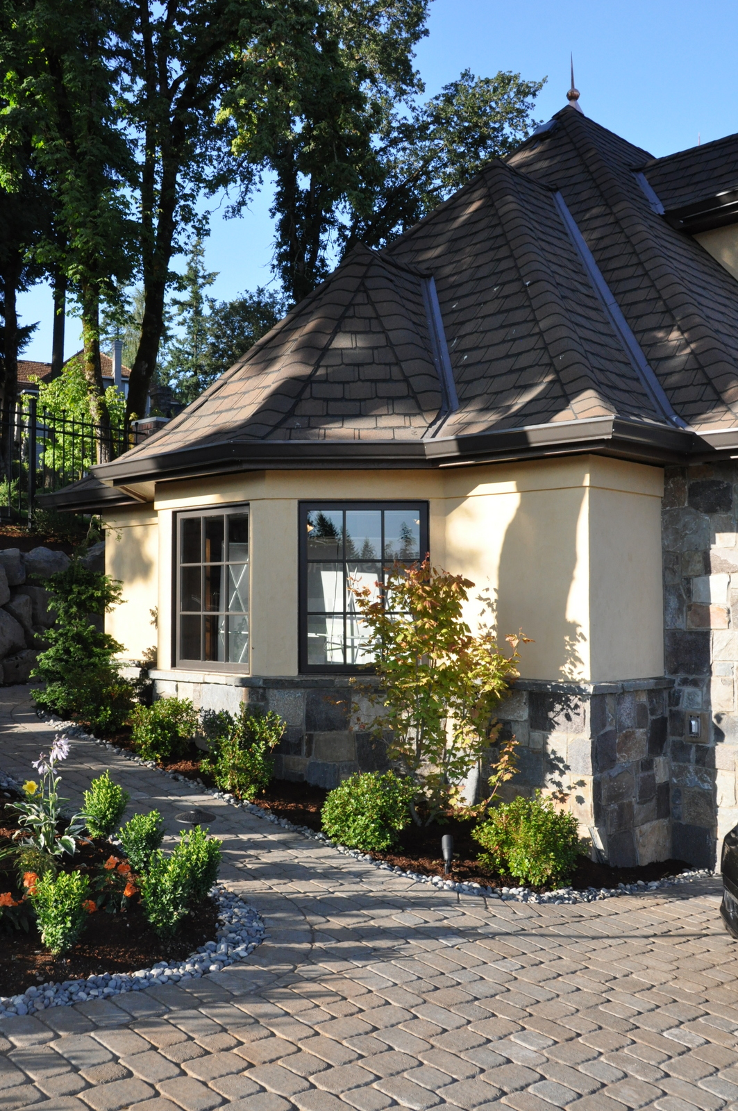 Pin by Victoria Thomas on EXTERIORS (With images) | House ...