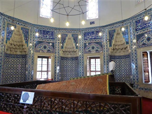 interno della tomba di rosselana