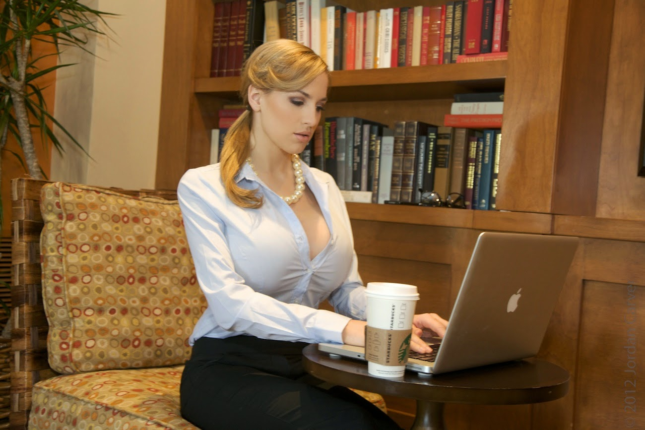 Jordan Carver Hot Gorgeous Office Girl Big Boobs Front -3545