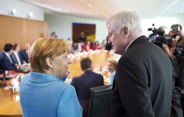 Angela Merkel et son ministre de l'Intérieur, Horst Seehofer. — Schacht Henning/action /SIPA