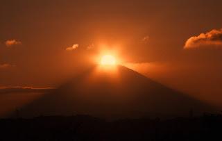 秋のダイヤモンド富士 in 大磯城山公園