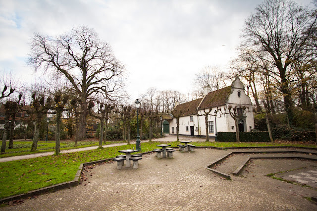 Chiesetta nel Minnewaterpark-Bruges