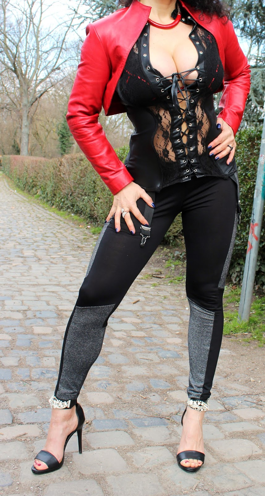 Outdoor in High Heels u.Leggings