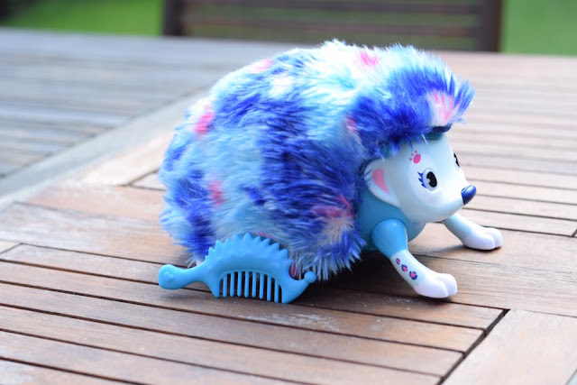 Zoomer Hedgiez toy blue