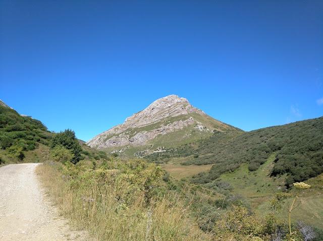 Subida al Alto de la Farrapona desde Torrestio - Vista de la cima de La Cantera