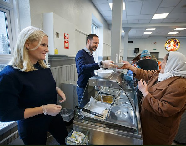 Princess Mette-Marit visited the Church City Mission's project the City Breakfast in Toyen Church. Mette-Marit wore Prada wool sweater and trousers