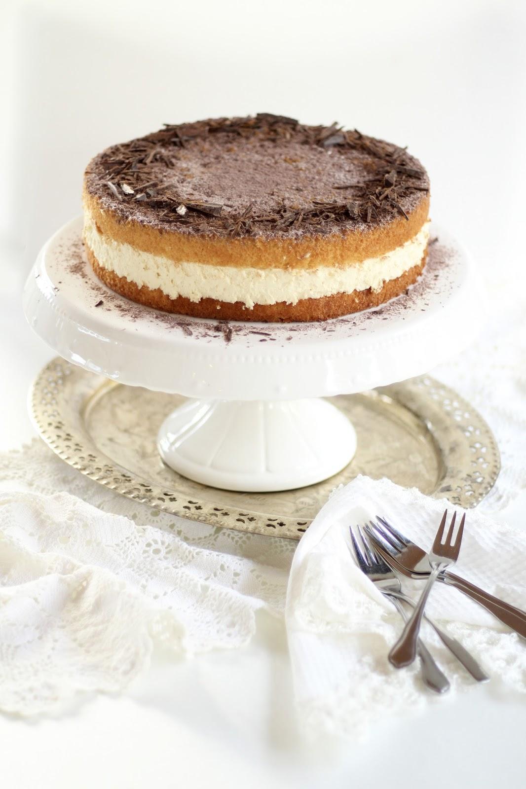Himmlisch flauschige, cremige Tiramisu Torte