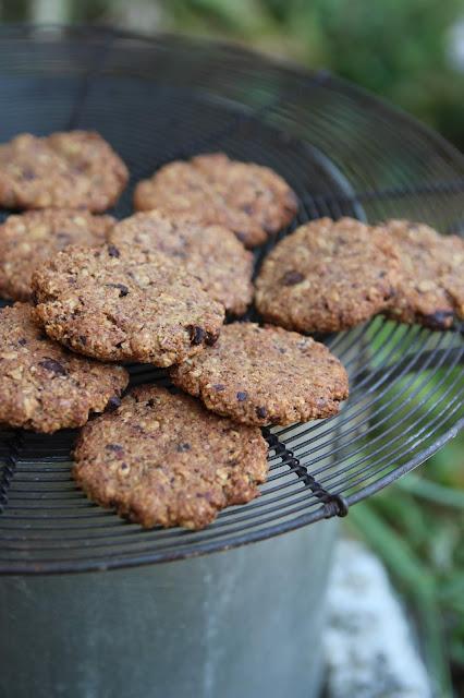 Cuillère et saladier : Cookies à l'okara de noisette et au chocolat (vegan)