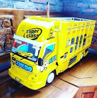 gambar truk miniatur kayu malang