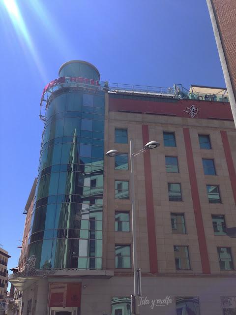 Fachada del hotel Santo Domingo en Madrid