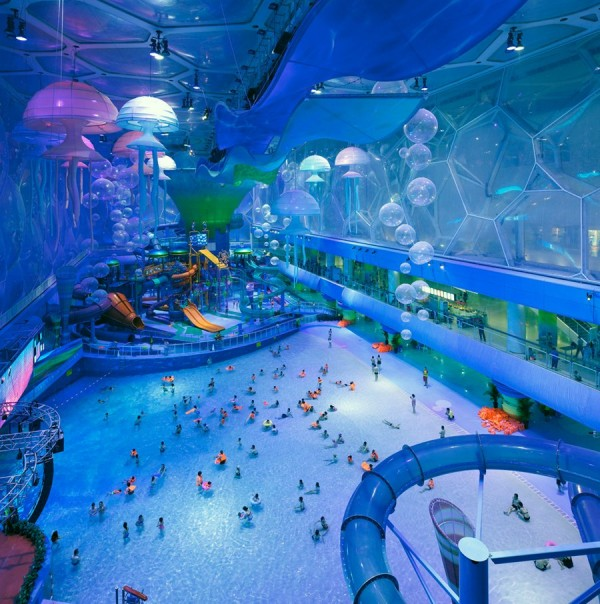 Photo of main hall in the waterpark