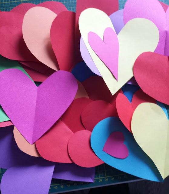 Herzen aus Origamipapier