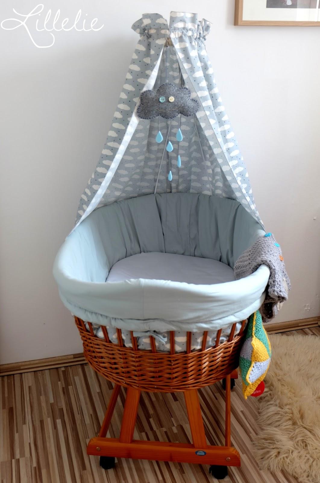 lillelie handmade by elke kinderzimmer teil 3 ein neues kleid f r den stubenwagen und andere. Black Bedroom Furniture Sets. Home Design Ideas