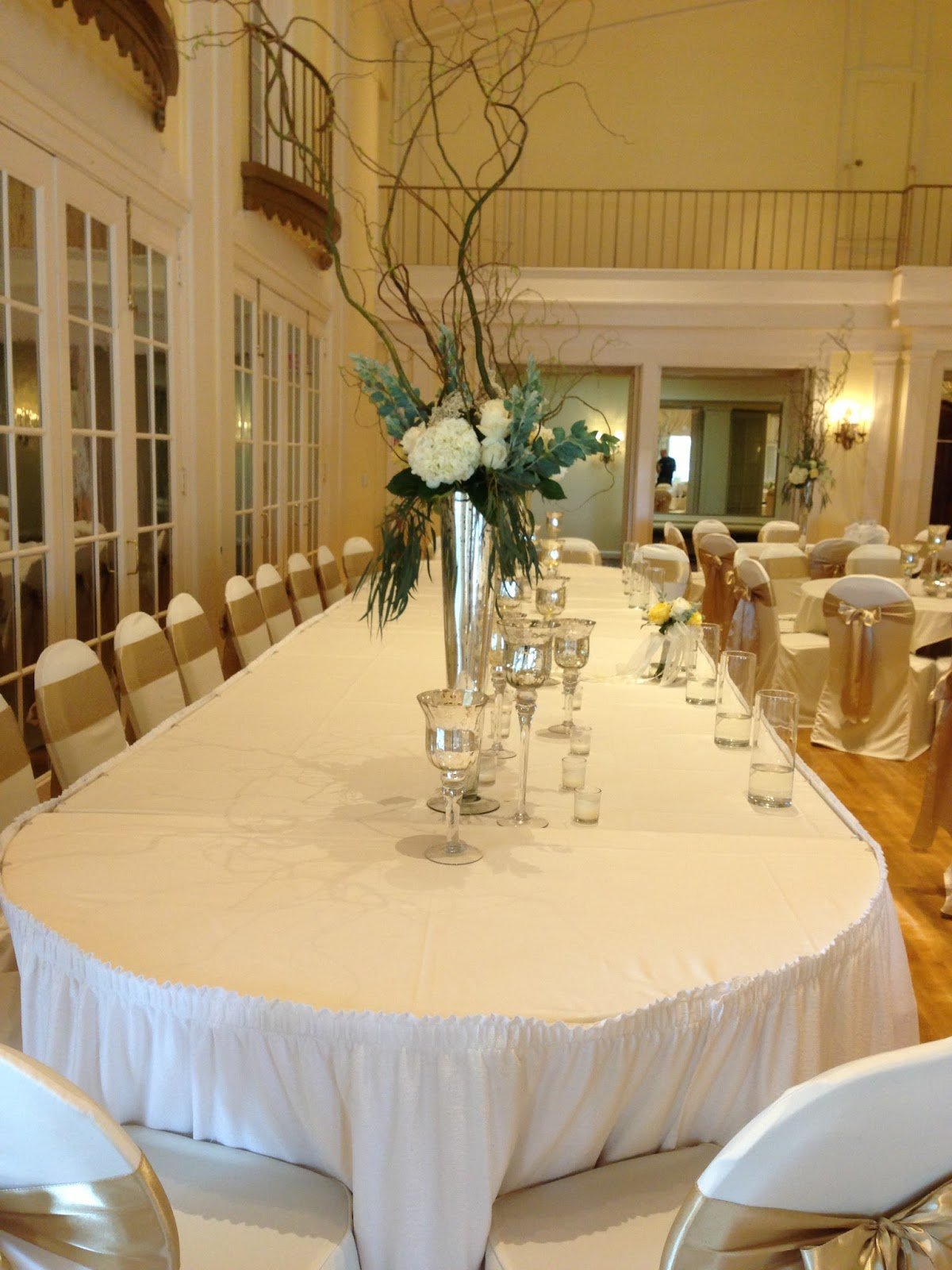 Lafayette Club Wedding Mn White Chair Covers Gold Satin Sashes Mercury Gl Fl Arrangements