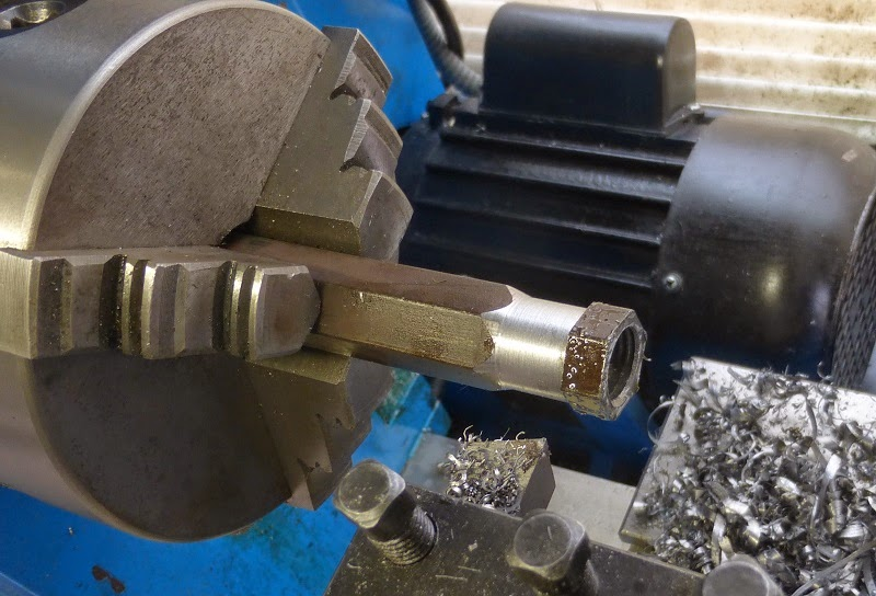 using a left handed lathe tool bit