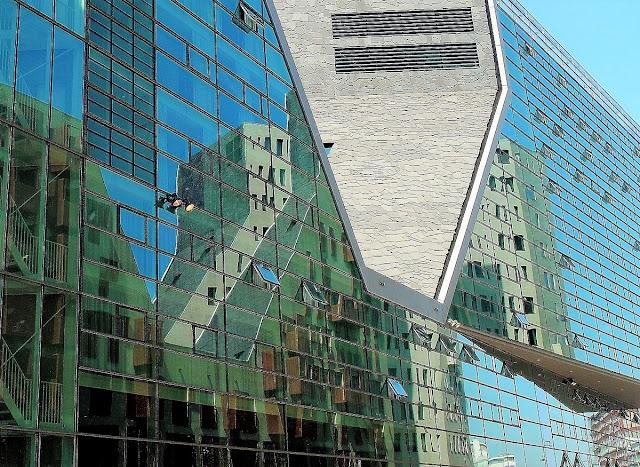 Amsterdams sevärda byggnader
