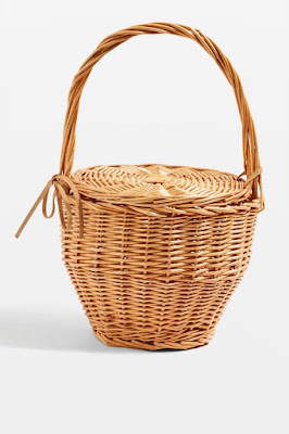 05-4-Summer-Hand-Bag-Trends-Followed-By-Every-Instagram-Fashionista-Basket-Bag-TopShop
