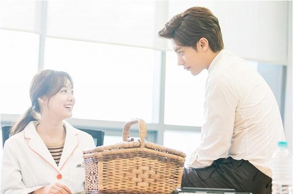 Những khoảnh khắc chênh lệch chiều cao cực dễ thương của cặp đôi 'My Secret Romance'