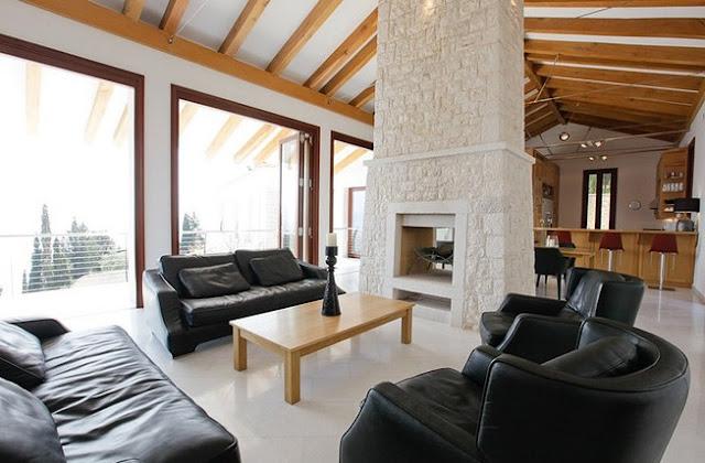 Ο ιδιοκτήτης της κατοικίας δηλώνει ότι αυτή σχεδιάστηκε για να κατοικείται  όλο το χρόνο 64abf9d5082