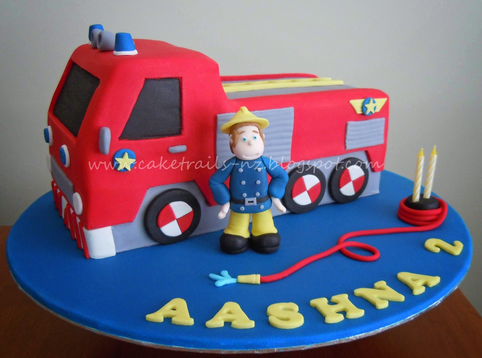 How To Make A Truck Cake With Fondant