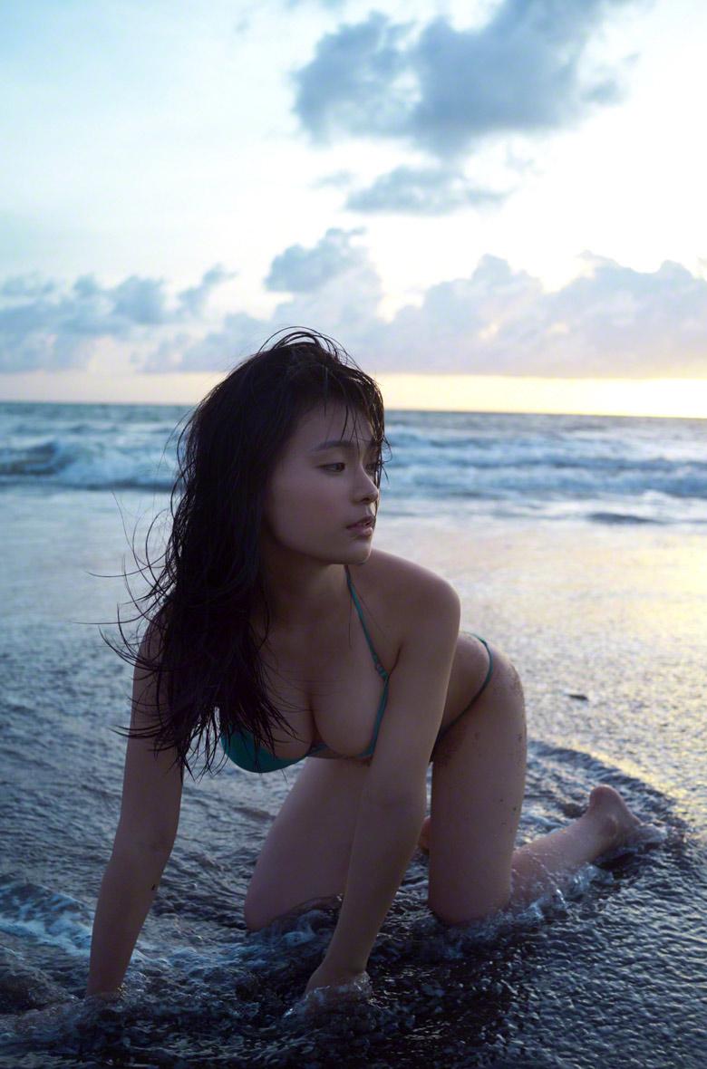 mizuki hoshina sexy bikini pics 01