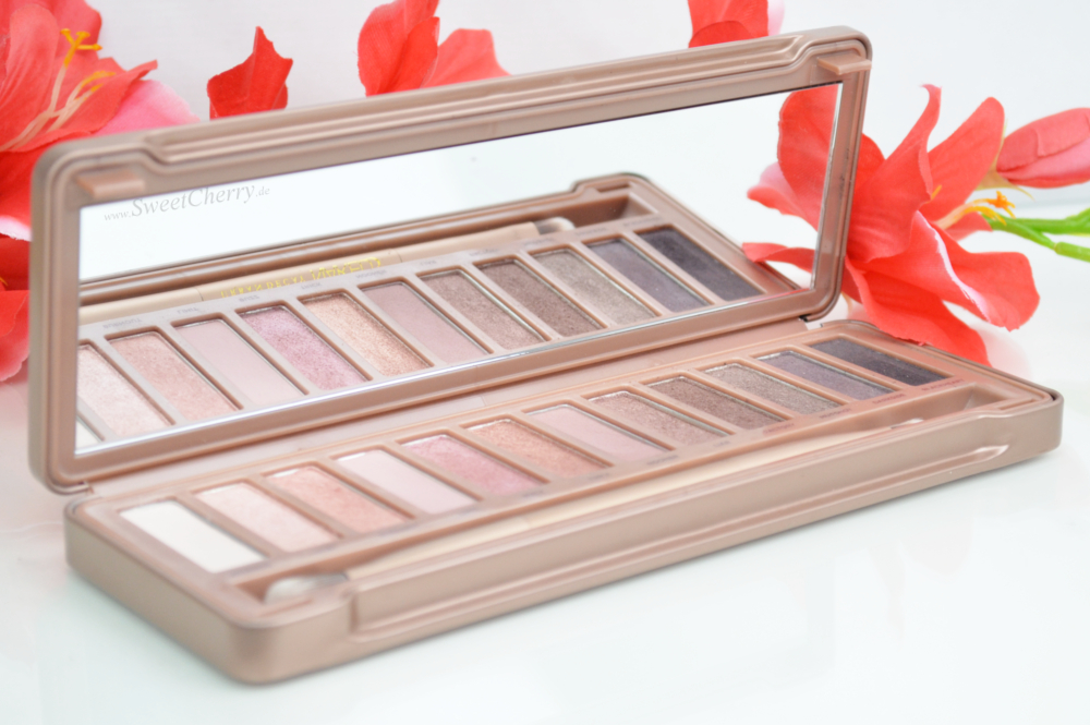 Review Urban Decay Naked Palette mit Swatches