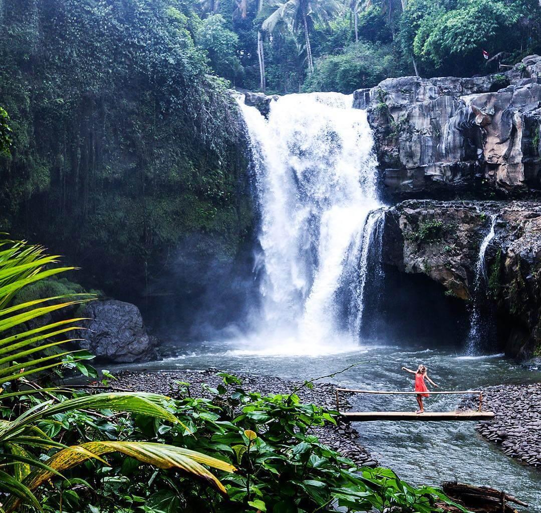 Air Terjun Tegenungan, Tempat Wisata Alam di Sukawati Bali ...