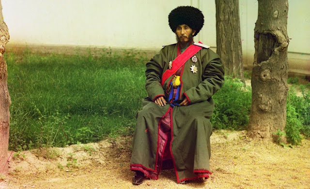 Image Attribute:  Isfandiyar Jurji Bahadur, Khan of the Russian protectorate of Khorezm (Khiva, now a part of modern Uzbekistan), full-length portrait, seated outdoors, ca. 1910. (Prokudin-Gorskii Collection/LOC)