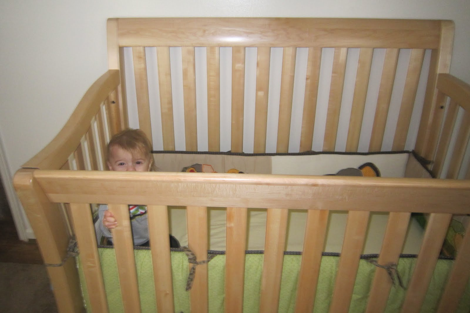 The Gille's: Product Review: Baby Cache Uptown Crib and Case