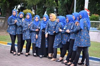 Contoh Model Baju Batik Guru Terbaru