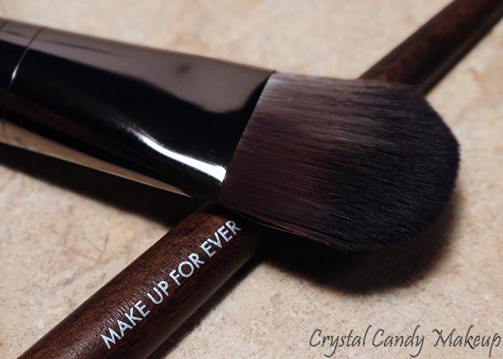 Medium Foundation Brush #106 de Make Up For Ever - Review - Pinceau à fond de teint