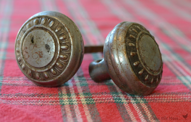 vintage door knobs, old door knobs
