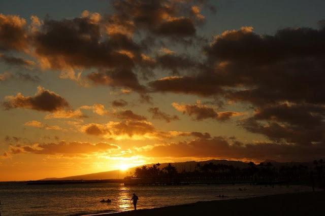 golden sunset on Hawaii Beach