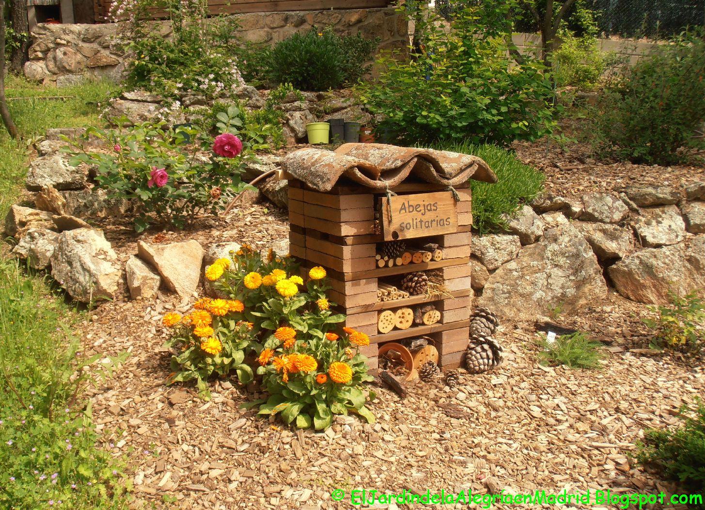 El jard n de la alegr a las vacaciones se acercan y las for Ahuyentar abejas jardin