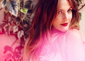 Drew Barrymore linda, sexy e meiga no editorial da C Magazine