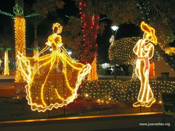 Travel 2 the caribbean blog christmas celebrations in the for Acanthus decoration puerto rico