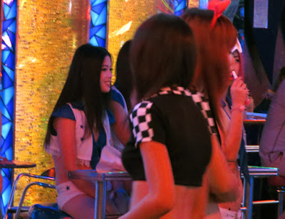 sexy pick up girls from Soi Cowboy 4