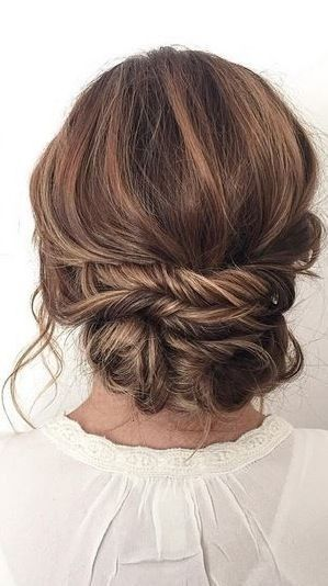 These are the 5 most popular Christmas party hairstyles