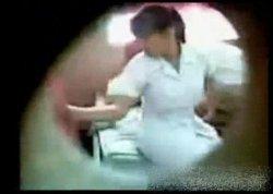 แอบถ่ายสาวพยาบาลเงี่ยนยอมมีsexกับนักเรียนชายรีบดูด่วนโดนลบ!!