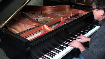 Piano Yamaha GC1 PE