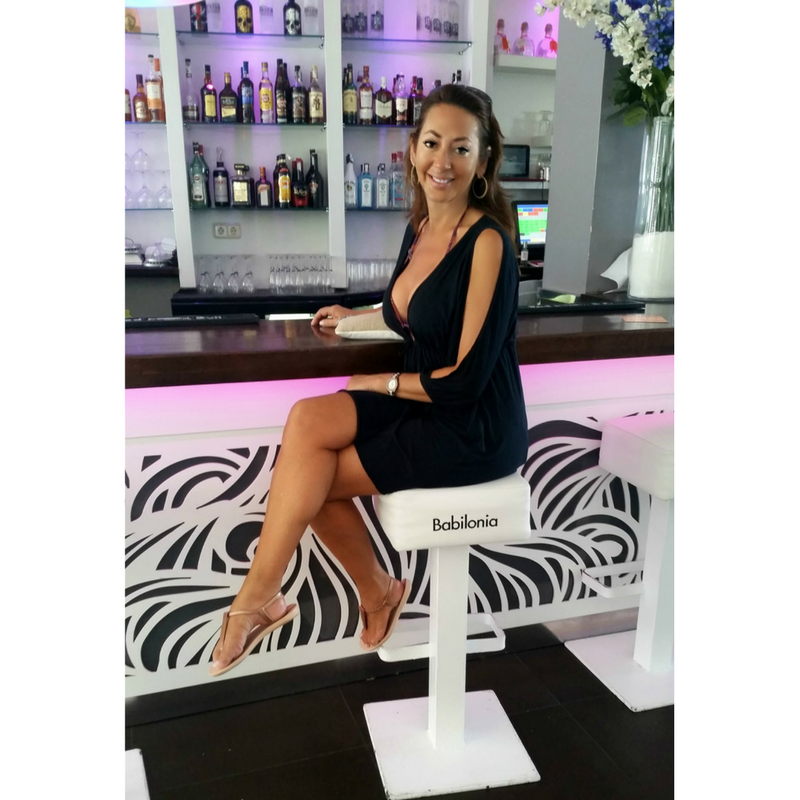 popular bar puerto banus black white decor