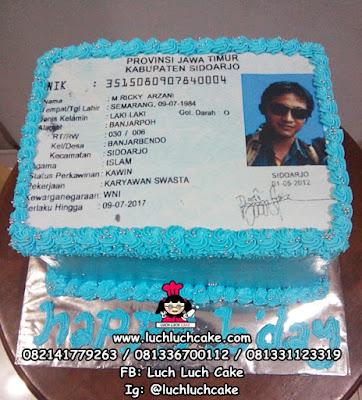 Kue Tart Bentuk KTP (kartu tanda penduduk)
