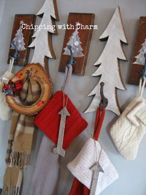 Chipping with Charm: Wood Slice Wreath...www.chippingwithcharm.blogspot.com