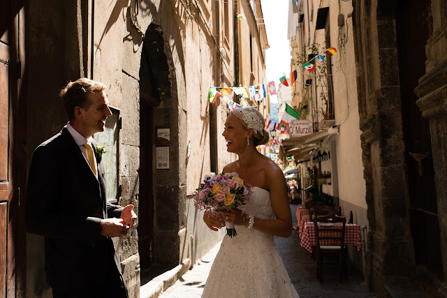 Bride and groom in Sorrento